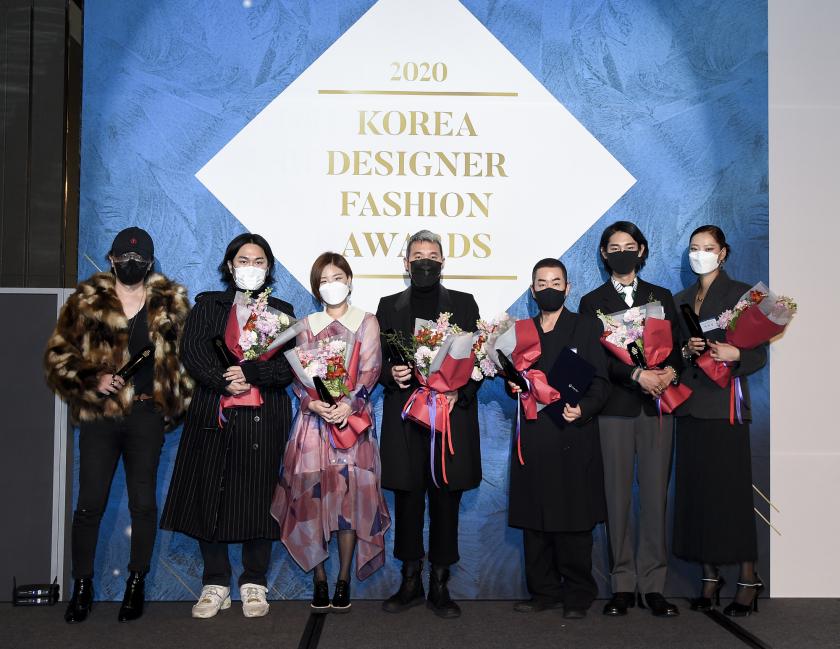 왼쪽부터 신광호, 이성동, 조은애, 강동준, 정욱준, 박태민, 박희정