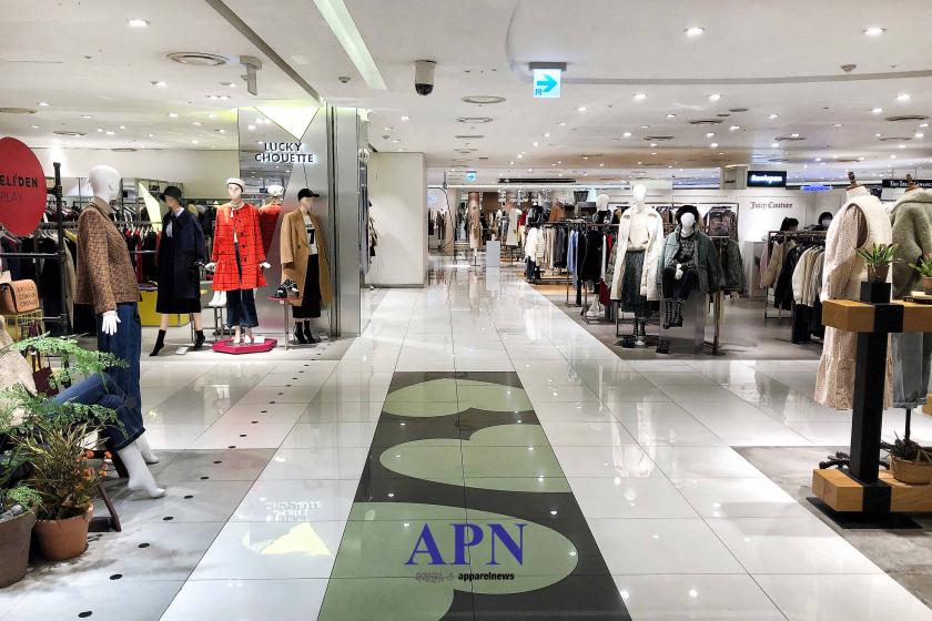 여성복 업계가 내년 춘하 상품 운영 계획에 고심을 거듭하고 있다. 사진=박시형 기자