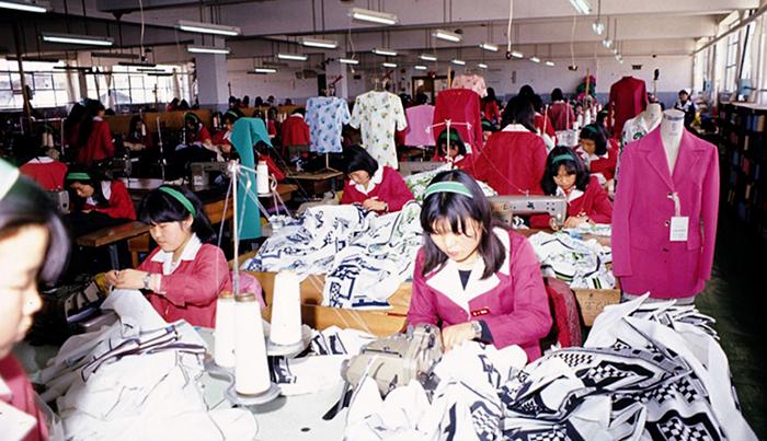 구로공단 공장에서 일하고 있는 모습 /사진 제공=한국산업단지공단